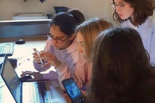 Programmare è un gioco da ragazze: le Coding Girls arrivano all'Università di Bologna